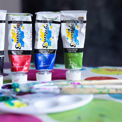 Personal branding photo shoot. Brand your business. Paints